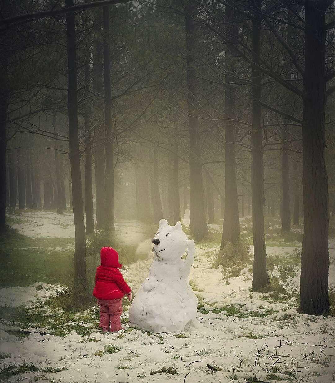 کودک و آدم برفی اش