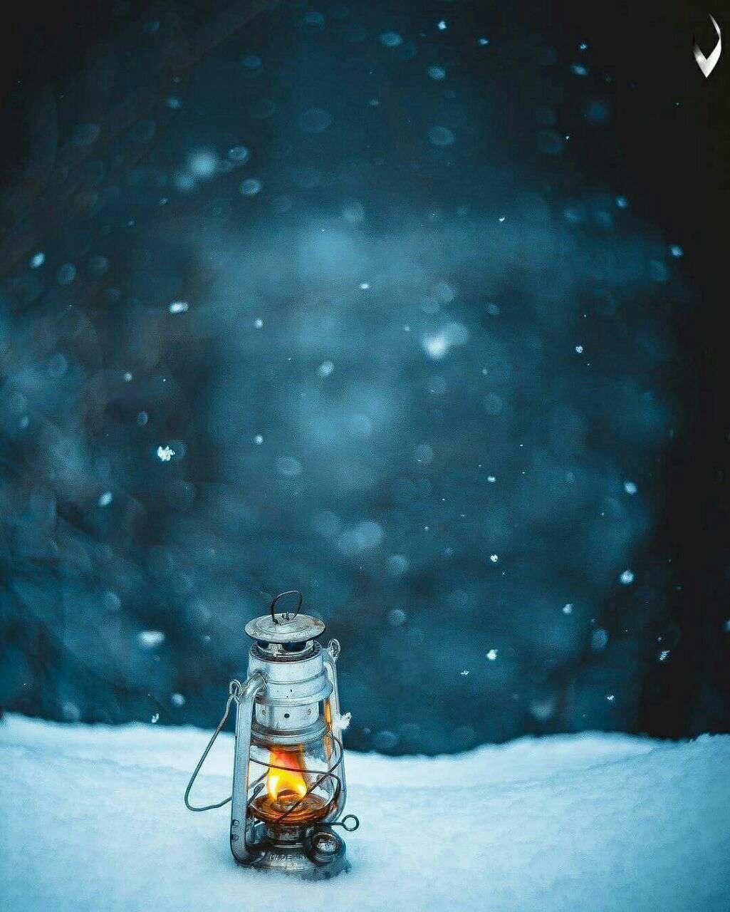 فانوسی در برف