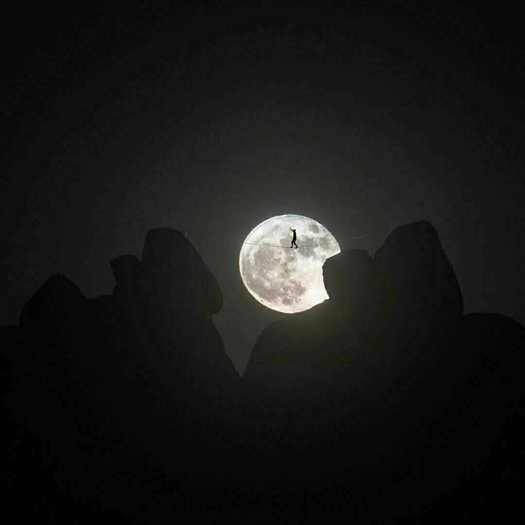 تفریح زیر نور ماه