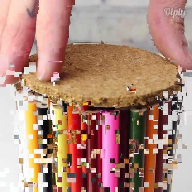 ساخت زیرلیوانی با مداد رنگی