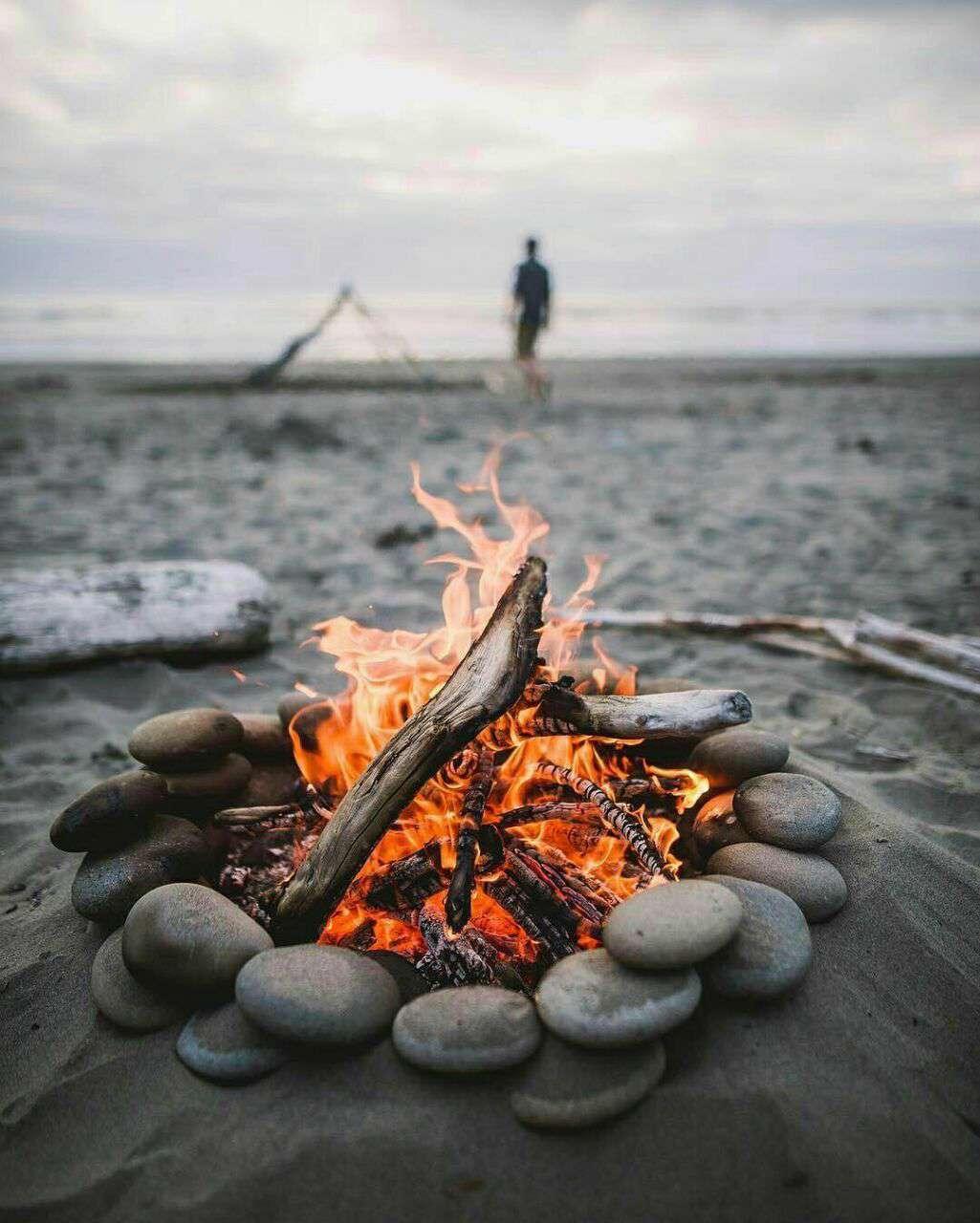 آتش در ساحل