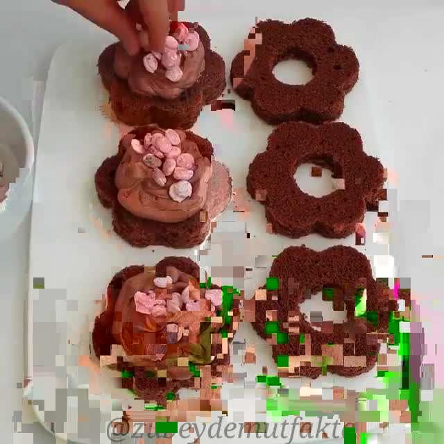 کیک های تک نفره شکل گل