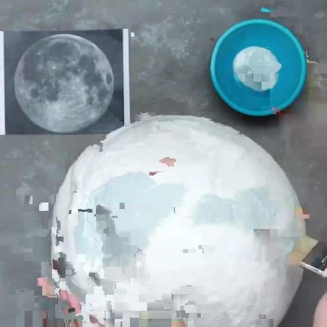 چراغ خواب شکل کره ماه