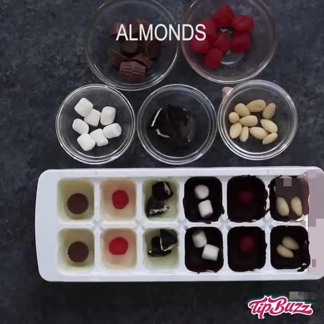 شکلات های مغزدار شکل کادو