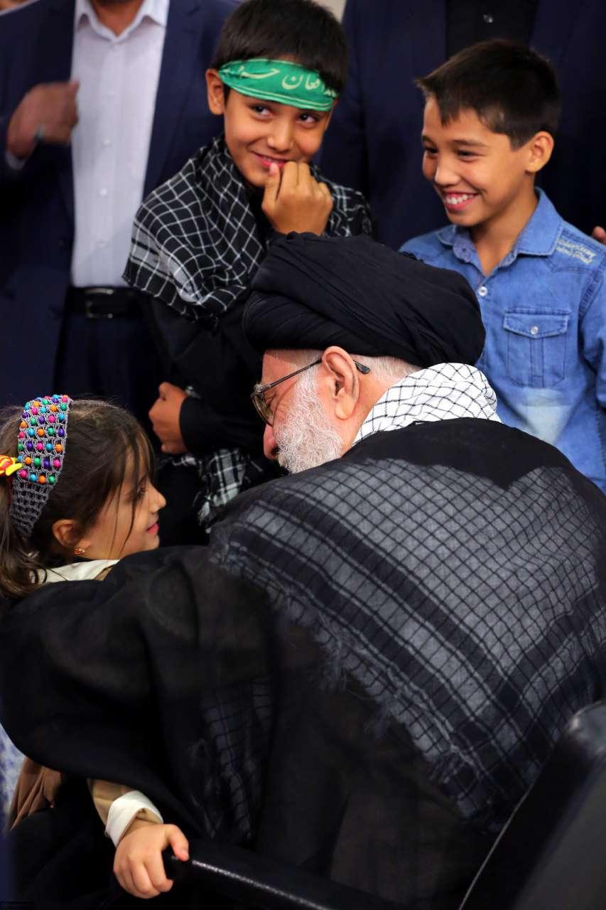 صحبت های نهال دختر شهید مدافع حرف مهدی قاضی خانی با مقام معظم رهبری
