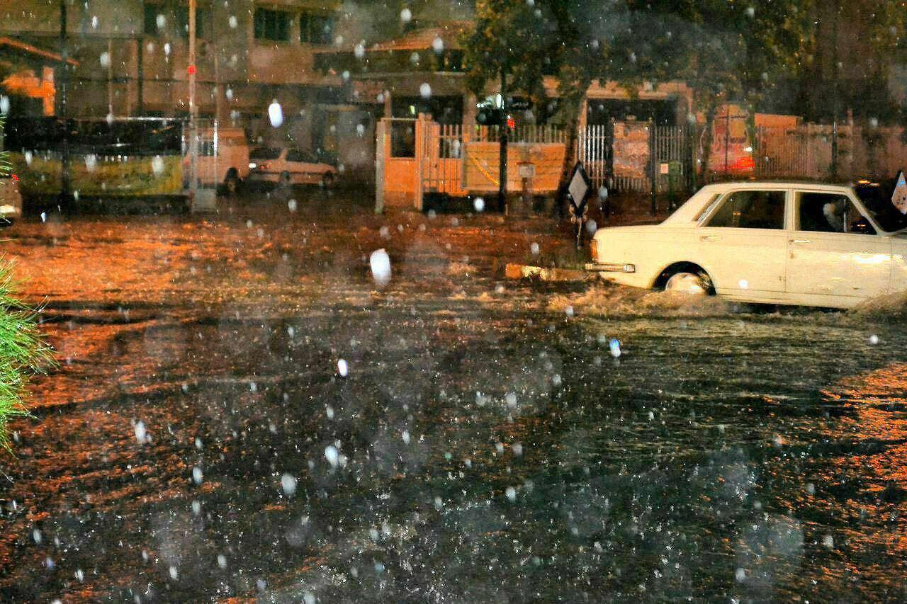 بارش شدید باران هم اکنون در لاهیجان
