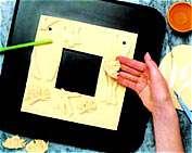 1931571952071551223719915619718213204174196 - طرز تهیه ی خمیر نمكی و طریقه ی ساخت ظروف زینتی با آن (قسمت اول) - متا