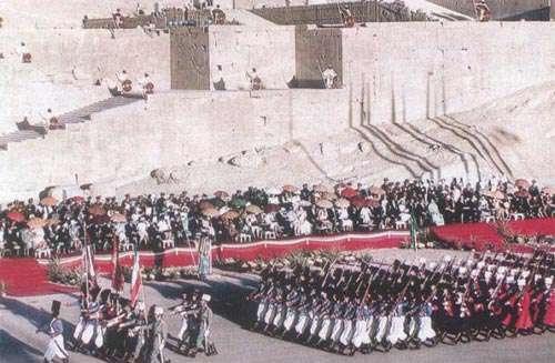 عکس های جشن های 2500 ساله شاهنشاه منفور