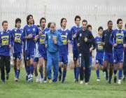 تیم فوتبال استقلال در حال تمرین
