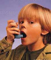 کودک مبتلا به آسم