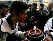 کیک تولد هادی ساعی