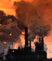 آلودگی هوا با دود صنایع