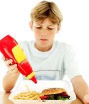 ساندویچ همبرگر با سس گوجه فرنگی