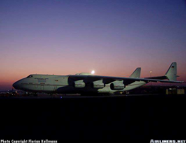 عکس های از پرواز در غروب هواپیمای جنگنده و هلکوپتر