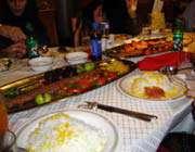 dressage de table typique pour un plat iranien populaire, le chelo kab?b