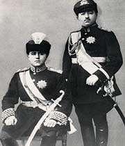 portrait de ahmad shah qajar  et de son frère mohammad hassan mirza