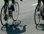کشف شیشه از دوچرخه سوار در فرودگاه