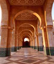 مسجد حسن ثانی مراکش کے ستون
