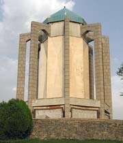 صوفی شاعر بابا طاھر کا مقبرہ