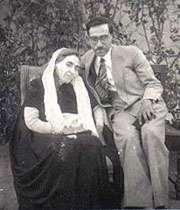 سید محمود حسابی و مادرش
