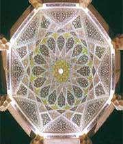 سقف آرامگاه حافظ