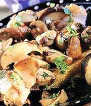 ساندویچ قارچ و سیر