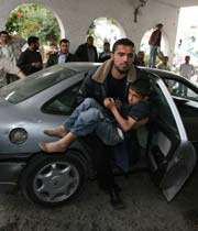 palestinian boy to hospital