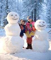 children are making snowman