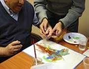 ateliers d'arts plastiques pour des personnes atteintes d'alzheimer