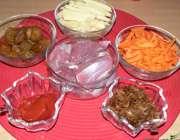 مواد لازم برای خورش آلو و هویج