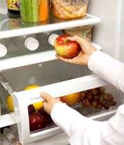 یخچال حاوی مواد غذایی سالم