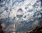 la grotte d'espahbod-e khorshid
