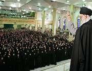 le guide suprême de la révolution islamique a reçu un grand nombre d'infirmières et d'infirmiersle guide suprême de la révolution islamique a reçu un grand nombre d'infirmières et d'infirmiers