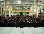 le guide suprême de la révolution islamique a reçu un grand nombre d'infirmières et d'infirmiers