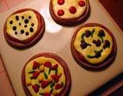tiny pizzas