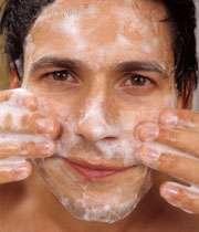 شستن صورت با صابون