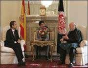 رئيس وزراء اسبانيا خوسيه ثاباتيرو والرئيس الافغاني حامد کرزاي