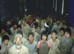 لحظه اسارت ایرانیان در جبهه (عکس)