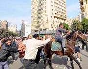 شترسواران براي سرکوب مردم و اغتشاش در مصر به دستور شاهزاده