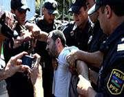 bakü'de muhaliflerin protestosu kanlı bastırıldı