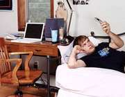 استفاده از موبایل قبل از خوابیدن