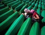 les proches des milliers de victimes du génocide de srebrenica