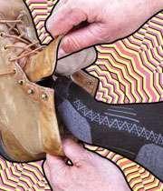 جوراب و کفش