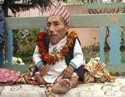 непалец с ростом в 54,6 см - лидер среди самых миниатюрных мужчин планеты