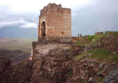 قلعه حاکم ماردوش
