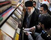 visite du guide suprême à la 25ème foire internationale du livre de téhéran