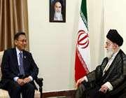 le guide suprême et le vice-président indonésien