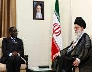le guide suprême et le président zimbabwéen