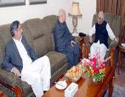 نگران وزير اعظم سے محمود خان اچکزئي کي ملاقات