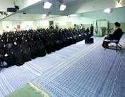 rencontre du guide suprême avec des centaines de femmes actives dans les domaines universitaires